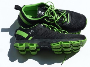 sports-shoes-115149_640