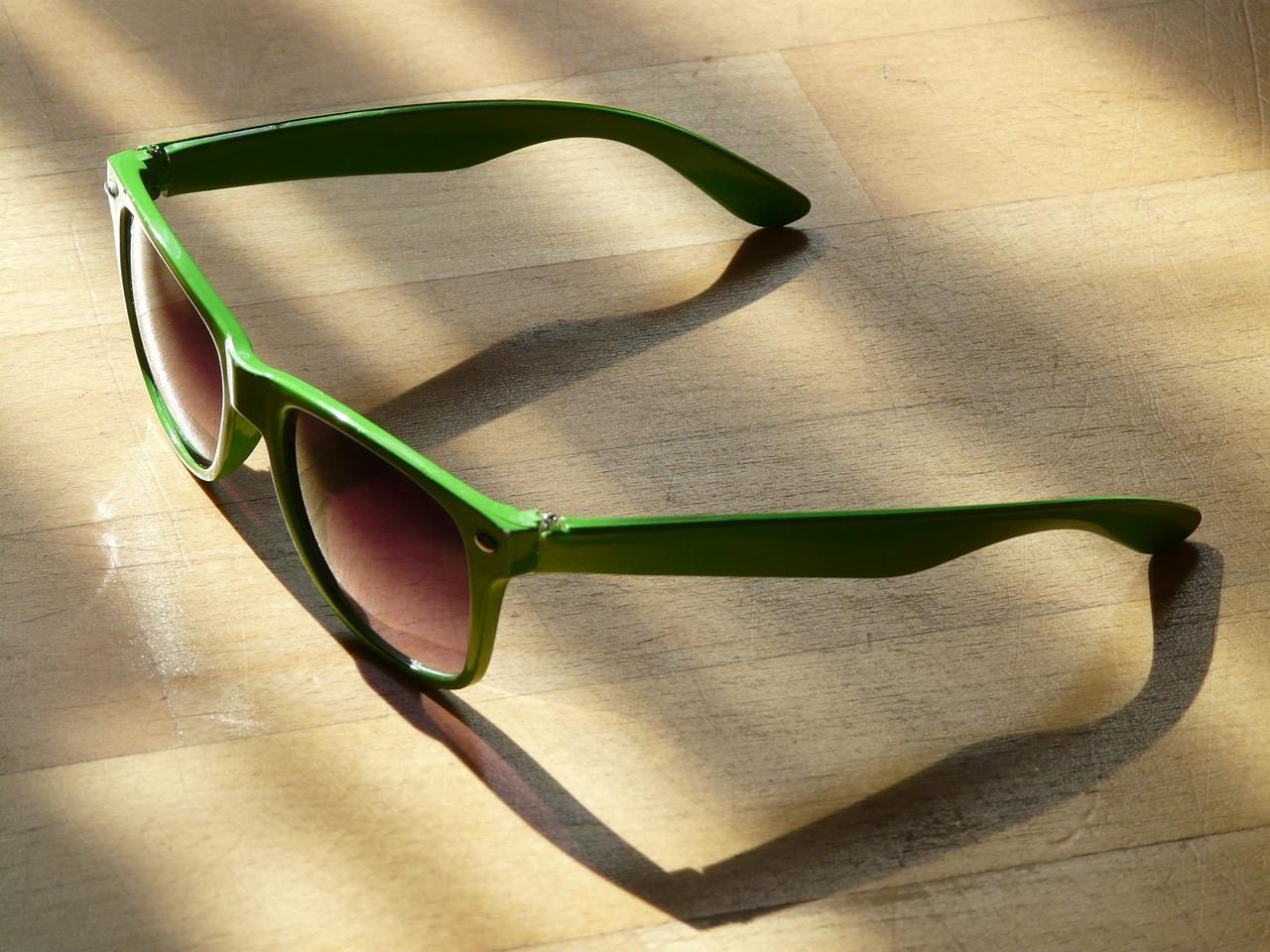 Sluneční brýle pro muže a ženy