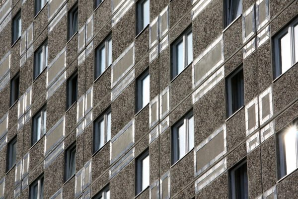 Jak na mytí oken v paneláku?